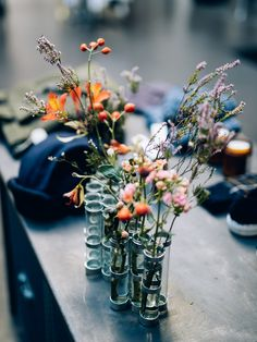 Vase d'avril par Tse Tse Associées Flower Power, Vases, Floral Arrangements, Greenery, Glass Vase, Bloom, Gardening, Concept, Table Decorations