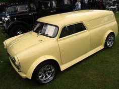 """Find out more relevant information on """"mini vans"""". Look at our site. Mini Trucks, Old Trucks, Classic Mini, Vans Classic, Panel Truck, Cool Vans, Custom Vans, Classic Trucks, Hot Cars"""
