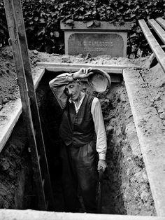 ...the grave digger...Sune Johnsson - Hjalmar Nyberg, Nyåker - 1956
