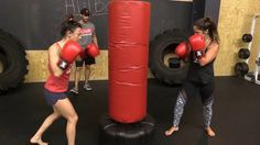 Best Heavy Bag Boxing Workout For Women To Lose Weight Fast l Best Home Boxing Workouts – Weight Loss Shadow Boxing Workout, Women Boxing Workout, Boxing Workout With Bag, Punching Bag Workout, Heavy Bag Workout, Boxing Boxing, Female Boxing, Kickboxing Women, Kickboxing Workout