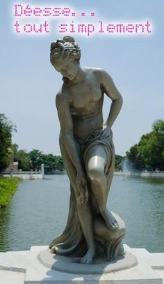 Une et particulière - By Anne Ducat