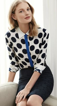 Classy, preppy , uni outfit -  collar, polkadot, pencil skirt
