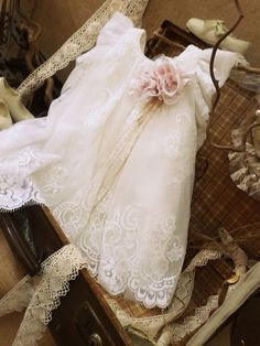 Christening baptism dress by Vinteli company, which made of natural silk & cotton fabric, in ivory/ecru color, handmade lace, ivory coat (optionally) and a hat. Baptism Outfit, Baptism Dress, Baptism Clothes, Baby Baptism, Christening, Angel Gowns, Girls Dresses, Flower Girl Dresses, Moda Casual