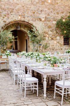 White rustic table: http://www.stylemepretty.com/destination-weddings/2015/05/11/rustic-norwegian-wedding-in-tuscany/ | Photography: Facibeni Fotografia - http://www.photographertuscany.com/