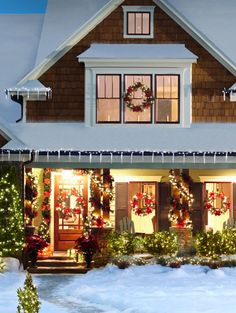 images of holiday exterior decor | Front yard Christmas decorations, wreaths, Christmas lights, front ...