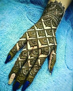 21 Mind Blowing Indian Mehndi Designs To Try In – Henna Bloq Latest Arabic Mehndi Designs, Indian Mehndi Designs, Back Hand Mehndi Designs, Latest Bridal Mehndi Designs, Stylish Mehndi Designs, Mehndi Designs Book, Mehndi Design Photos, Beautiful Mehndi Design, Latest Mehndi Designs