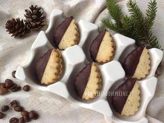 Kávové cukroví Czech Recipes, Christmas Baking, Tiramisu, Sweet Tooth, Cheesecake, Cupcakes, Cookies, Desserts, Czech Food