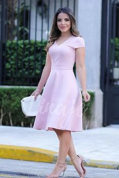 casual date night. Modest Dresses, Modest Outfits, Simple Dresses, Pretty Dresses, Beautiful Dresses, Formal Dresses, Girl Fashion, Fashion Dresses, Womens Fashion