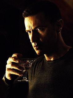 Richard Armitage as Francis Dolarhyde in Hannibal (2015) Francis drinking a dry Martini, Season 3 episode 10 (gif)