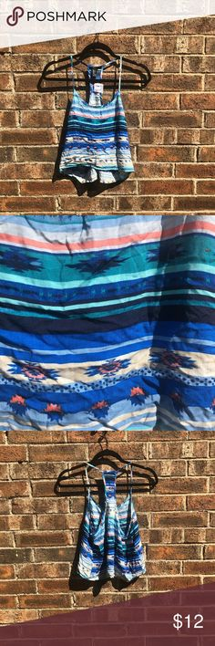 Forever 21 patterned crop top 100% rayon Never worn Forever 21 Tops Crop Tops