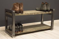 Minimalistisch design schoen rek, geolied massief hout, metalen frame duidelijk. Dit apparaat past perfect huis modern of vintage. ---HOUTEN PLANKEN--- Elke één plank is gebouwd met een massief houten stuk. Afwerking natuurlijke olie. Er kunnen sommige natuurlijke markeringen en