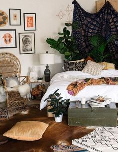 Add plants to give life to your boho dorm rooms!