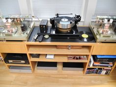 Quad ESL 2912 driven by Wavac Audio Lab monoblocks, with a JC Verdier La Platine turntable