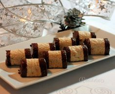 Štafetka - roll and Czech Desserts, Sweet Desserts, Sweet Recipes, Cake Recipes, Slovak Recipes, Czech Recipes, Christmas Sweets, Christmas Baking, Mini Cakes