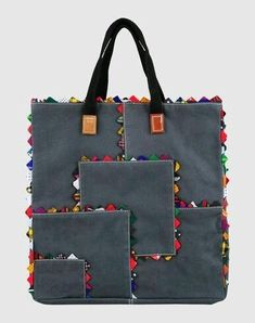 ideas for patchwork bags handbags totes Denim Handbags, Denim Tote Bags, Patchwork Bags, Quilted Bag, Fabric Bags, Fabric Basket, Handmade Bags, Bag Making, Purses And Bags