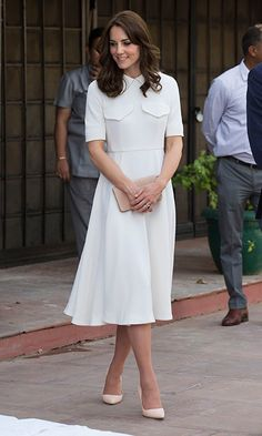 """Why Do We Still Call the Duchess of Cambridge """"Kate Middleton""""? Kate Middleton 2016, Looks Kate Middleton, Estilo Kate Middleton, Kate Middleton Outfits, Princesa Kate, Lady Diana, Little White Dresses, Nice Dresses, Prinz Harry"""