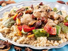 Squash Couscous N. Africa - use white Lebanese squash or other zucchini types Ras El Hanout, Tunisian Food, Israeli Food, Healthy Cooking, Fried Rice, Squash, Potato Salad, Grains, Vegan Recipes