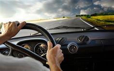 """4 MẸO HỮU ÍCH DÀNH RIÊNG CHO TÀI XẾ Ô TÔ  Bài viết dưới đây sẽ chia sẻ với các bạn 4 mẹo """"nhỏ nhưng có võ"""" dành riêng cho các tài xế ô tô để có thể chủ động giải quyết các tình huống phát sinh trong quá trình sử dụng, điều khiển, vận hành chiếc xế hộp của mình. Mời các bạn cùng theo dõi!"""