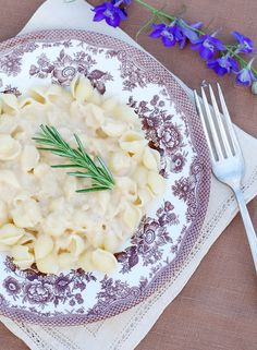 Pasta with White Bean Alfredo Sauce