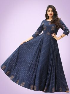 Diba - Indigo Gold Block Printed Long Urave Cut Dress - Diba - Langes Kleid im Urave-Schni Cotton Long Dress, Long Gown Dress, Long Frock, Long Gowns, Dress Skirt, Long Dress Design, Dress Neck Designs, Frock Fashion, Fashion Dresses