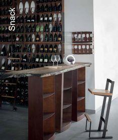 Snack consolle, base con elementi portabottiglie metal corten, piano in varie essenze. Sgabello Kaalta metal con seduta rovere