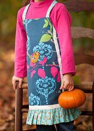 Tutorial: Kid sized ruffled apron · Sewing | CraftGossip.com