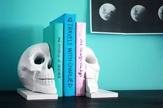 How to: Easy DIY Skull Bookends