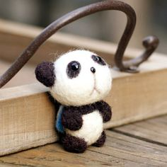 海魂衫小熊猫羊毛毡戳戳乐材料包摆件防尘塞手机链挂件