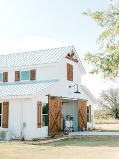 Meredith & Gavin | Intimate Autumn Ranch Wedding — Cottonwood Road Photography