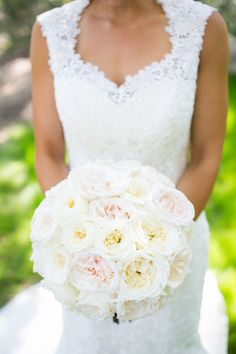 Garden rose bridal bouquet. Blush and ivory garden roses. Florals by Jenny//Photography: Kaysha Weiner