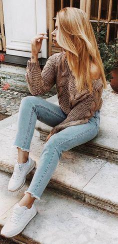 fall ootd | knit sweater + jeans + sneakers