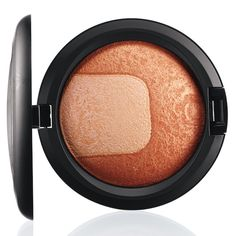 MAC Divine Night Mineralize Skinfinish Perfectly Poised