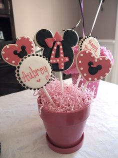 Minnie Cookie Bouquet