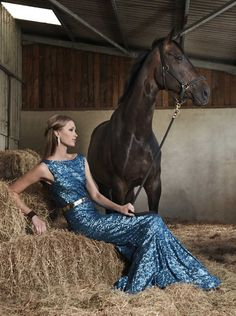 No fashionable reference found :( Horse And Human, My Horse, Horse Love, Horse Girl, Horse Fashion, Fashion Shoot, Harness Racing, Pregnant Couple, Horse Stables