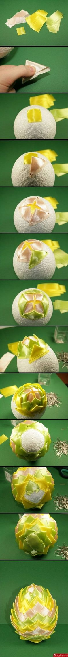How to make Beautiful Flower Garnish step by step DIY tutorial instructions How to make Beautiful Flower Garnish step by step DIY tutorial instructions by Mary Smith fSesz Quilted Christmas Ornaments, Fabric Ornaments, Noel Christmas, Christmas Balls, All Things Christmas, Ball Ornaments, Christmas Colors, Christmas Projects, Easter Crafts