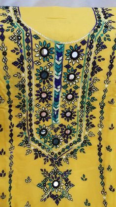 Hand Embroidery Dress, Embroidery Neck Designs, Hand Embroidery Stitches, Applique Dress, Ganpati Bappa Wallpapers, Balochi Dress, Mirror Work, Diy Home Crafts, Sweet Dress