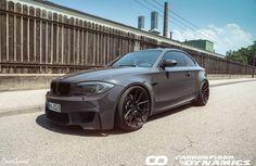 BMW 1 M Coupe z dodatkami wykonanymi z włókna węglowego.  Szukacie najwyższej jakości carbonowych akcesoriów do swojego BMW?  Sprawdźcie w GranSport - Luxury Tuning & Concierge: http://gransport.pl/index.php/carbon/bmw/seria-1-e81-e82-e87-i-e88.html
