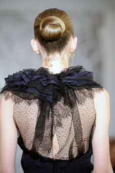 Nina Ricci | Spring 2010 Ready-to-Wear Collection | Style.com