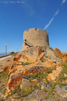 historical, fortified warning tower, Torre Aragonese, Santa Teresa di Gallura, Sardinia. Photo: fabbiomenna Olbia Tempio.