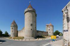 Donjon du château de Blandy les Tours en Seine-et-Marne, 77