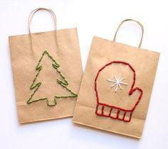 Вышиваем бумажные пакеты - отличная идея подарочной новогодней упаковки