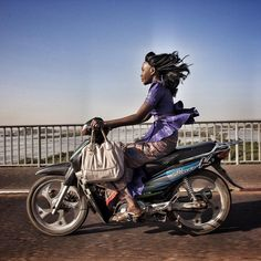 Riding over the Niger River in Bamako, Mali. Photo by Jane Hahn