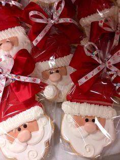 Santa Cookies, Easy To Make Using Royal Icing Santa Cookies, Christmas Sugar Cookies, Iced Cookies, Christmas Sweets, Cute Cookies, Christmas Cooking, Noel Christmas, Royal Icing Cookies, Christmas Goodies