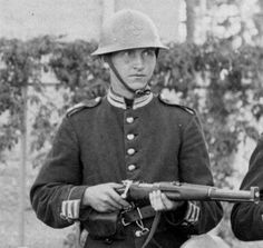 A Swedish Home Guard with a Swedish Model High Dome helmet and a Carbine rifle Ww2 Uniforms, Military Uniforms, Swedish Army, Home Guard, Swedish House, Armed Forces, World War Ii, Troops, Wwii