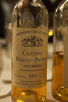 Sauternes, un vin liquoreux d'appelation d'origine contrôlée, dont les vignes se situent dans le Bordelais