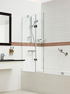 New folding bathscreen from Roman targeted on the hotel market