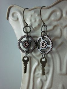 Steampunk Earrings keys par skyejewels sur Etsy