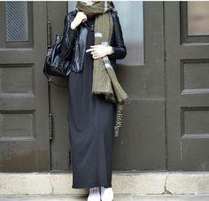 Hijab street style tendance 2017: Les femmes voilées stylées veulent porter des vêtements confortables pour les looks de tous les jours toute en gardant l'élégance et la modernité. On vous propose un guide pour un hijab urbain tendance 2017.