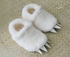 Wolf Slippers inspired by  Where The Wild Things di babycricket, $37.00