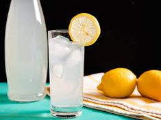 This fresh lemonade gets the maximum flavor out of just two ingredients (three if you count water). This fresh lemonade gets the maximum flavor out of just two ingredients (three if you count water). Drink Recipes Nonalcoholic, Non Alcoholic Drinks, Cocktail Drinks, Beverages, Cocktails, Refreshing Drinks, Summer Drinks, Fresh Lemonade Recipe, Lemonade Drink